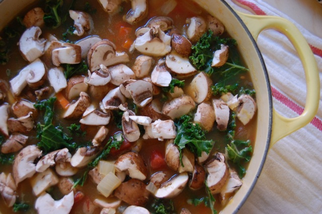 Vegetarian Kale and Mushroom Tortellini Soup